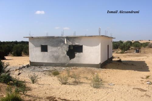 آثار قصف منزل في اللفيتات 15