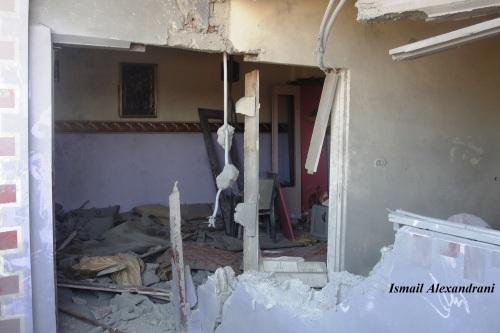 """آثار قصف أحد منازل قرية """"اللفيتات"""" يوم الجمعة 13 سبتمبر - التقطت الأحد 15 سبتمبر 2013"""