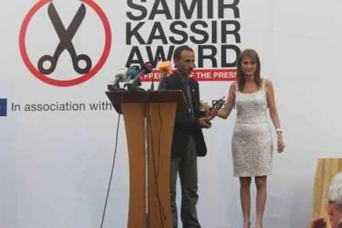 أحمد أبو دراع يتسلم جائزة سمير قصير 2013لحرية الصحافة