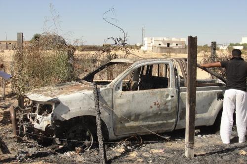 إحراق سيارة في جراجها بقرية الظهير - التقطت الثلاثاء 10 سبتمبر 2013