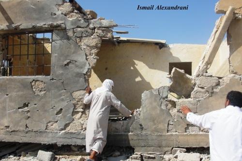 """آثار تدمير المدرسة الإعدادية المبنية بالجهود الذاتية في قرية """"اللفيتات"""" يوم الجمعة 13 سبتمبر - التقطت الأحد 15 سبتمبر 2013"""